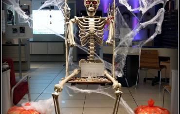 L'altalena – Vetrina Halloween 2016