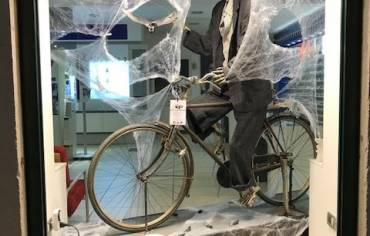 Bicycle- Vetrina Halloween 2017