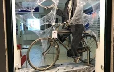 Bicycle- Vetrina Halloween 2017